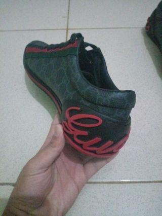#BAPAU dijual sepatu gucci made in italy kondisi 95%