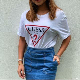 Guess triangle logo tee white size M (unisex)