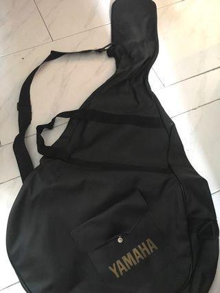 🚚 Yamaha Guitar C-310