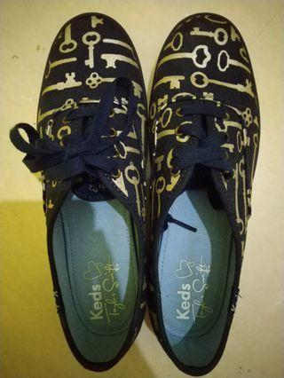 #Bapau Sepatu Keds Taylor Swift