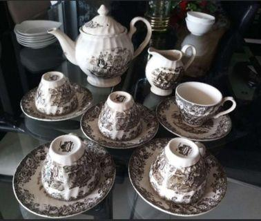 🚚 Coffee set for sale - $128 only. 5 cup saucer set and 2 jug