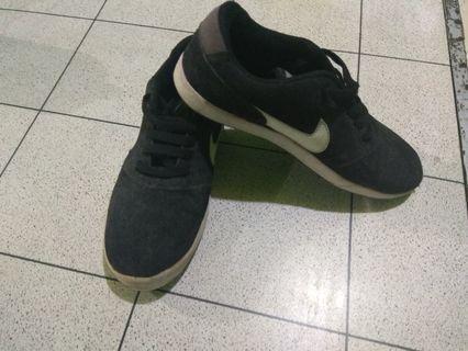 Sepatu Nike #BAPAU