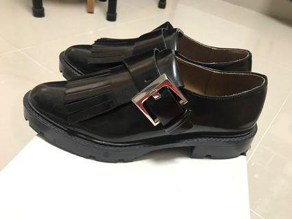 Zara women used leather shoes