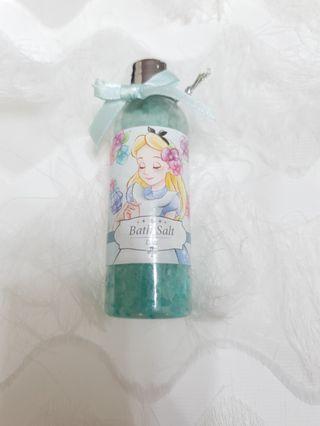 🚚 Disney Store Japan Alice in the Wonderland Bath Salts