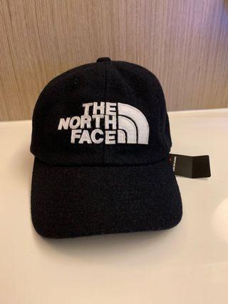 The North Face Urban Exploration 深藍色刺繡logo老帽