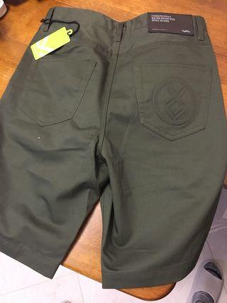 (可議)全新fingercross 軍綠色短褲