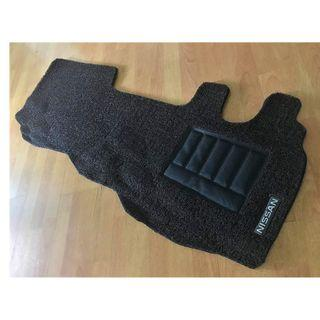 NISSAN URVAN FRONT DRIVER/PAX FLOOR CARPET MATS 01 FULL PCS WITH NISSAN LOGO ON DRIVER SIDE.... COLOR AVAILABLE - BLACK, RED ,GREY ,BEIGE ,BROWN ,GREEN & BLUE...
