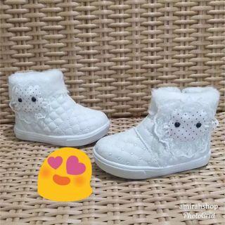 Boots anak perempuan