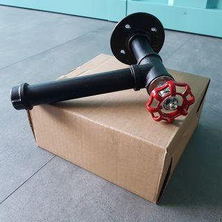 Toilet Roll Holder (Industrial Pipe Design)
