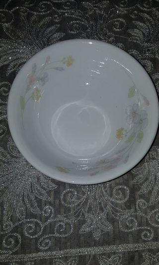 🚚 CORELLE selling online new for $30/piece. USED price only $15/piece