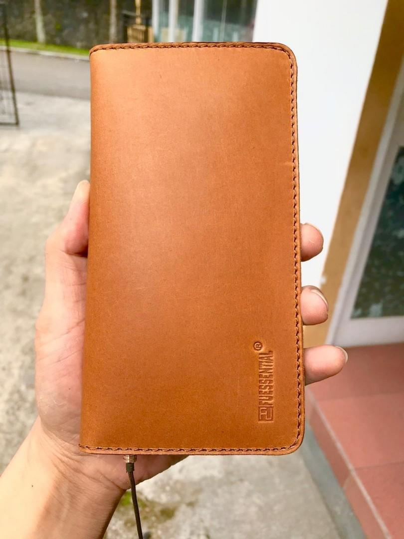 "[ Ready ] Dompet Kulit Asli + Chasing Hp From "" Fuessential "" Made in Korea"