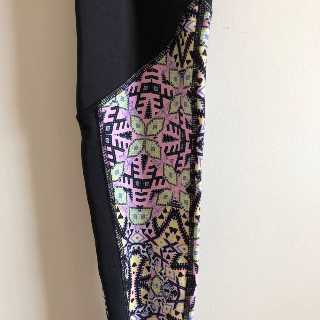 Full Length Workout Leggings - Tights w/ Splash of Colour & Interior Pocket Pouch