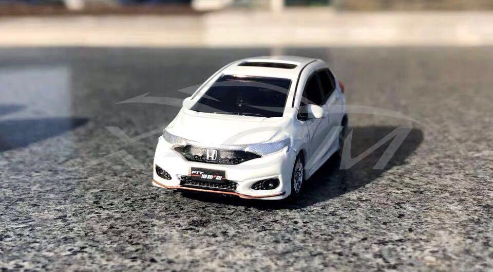 Honda fit 仔 1/64玩具車仔 (不合完美主義者)