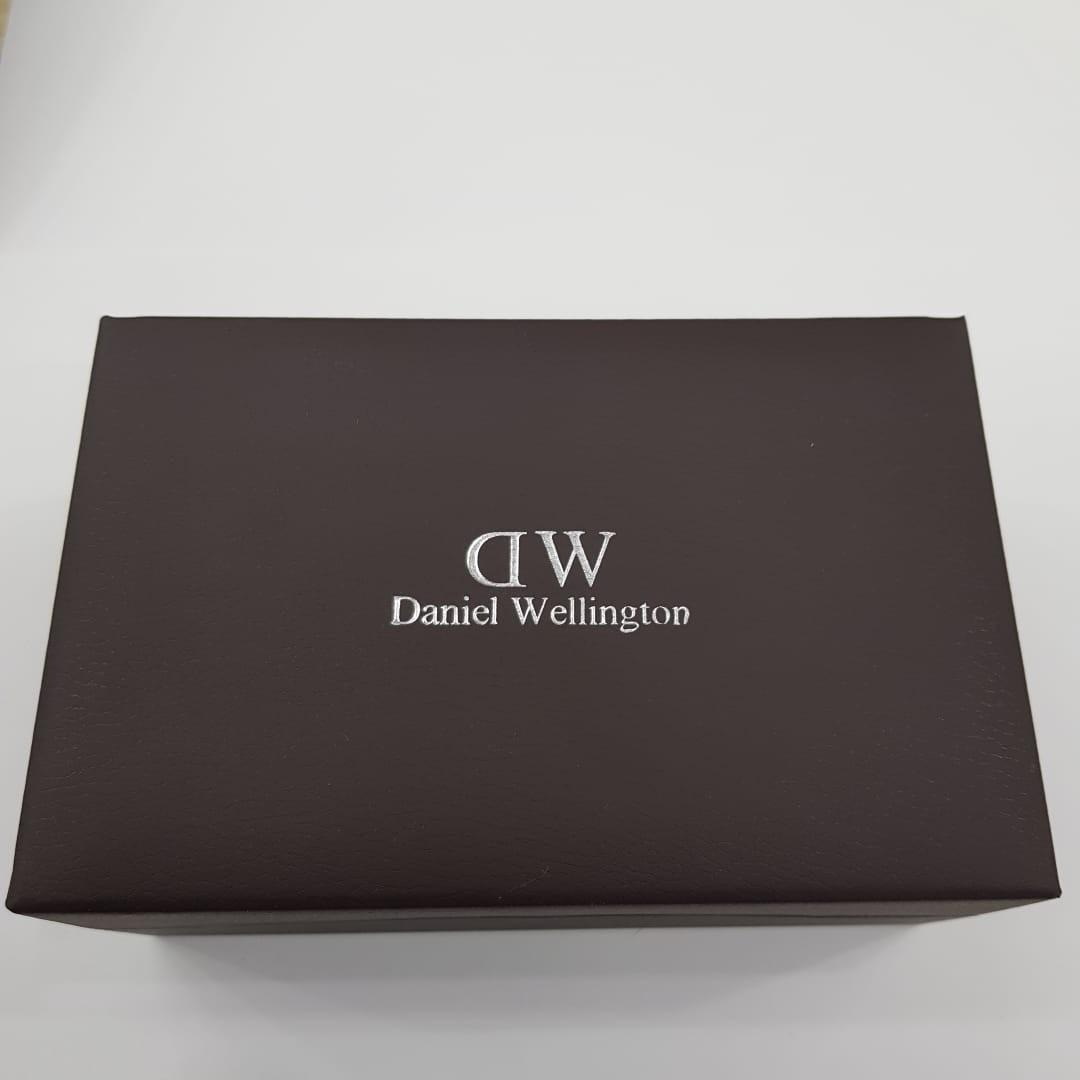 SALE!!Daniel Wellington Ori