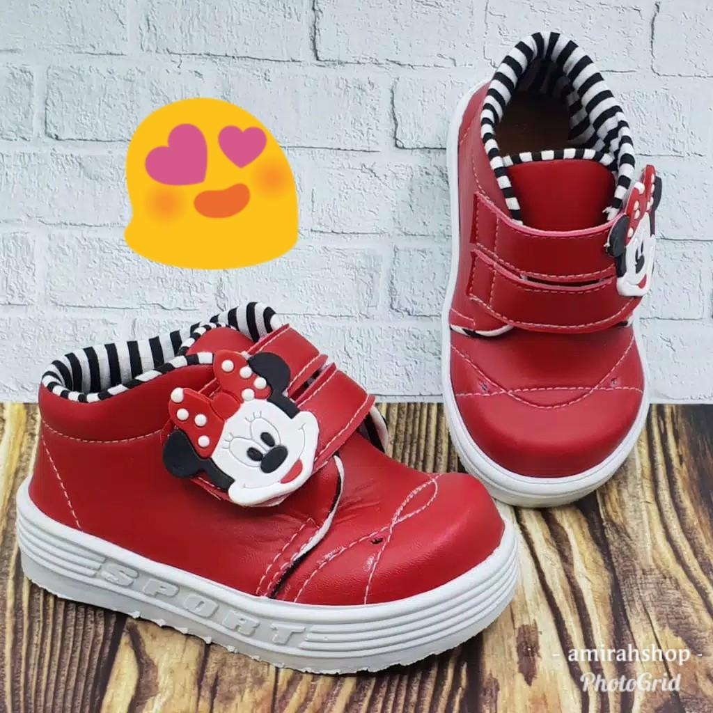Sepatu Minni mouse
