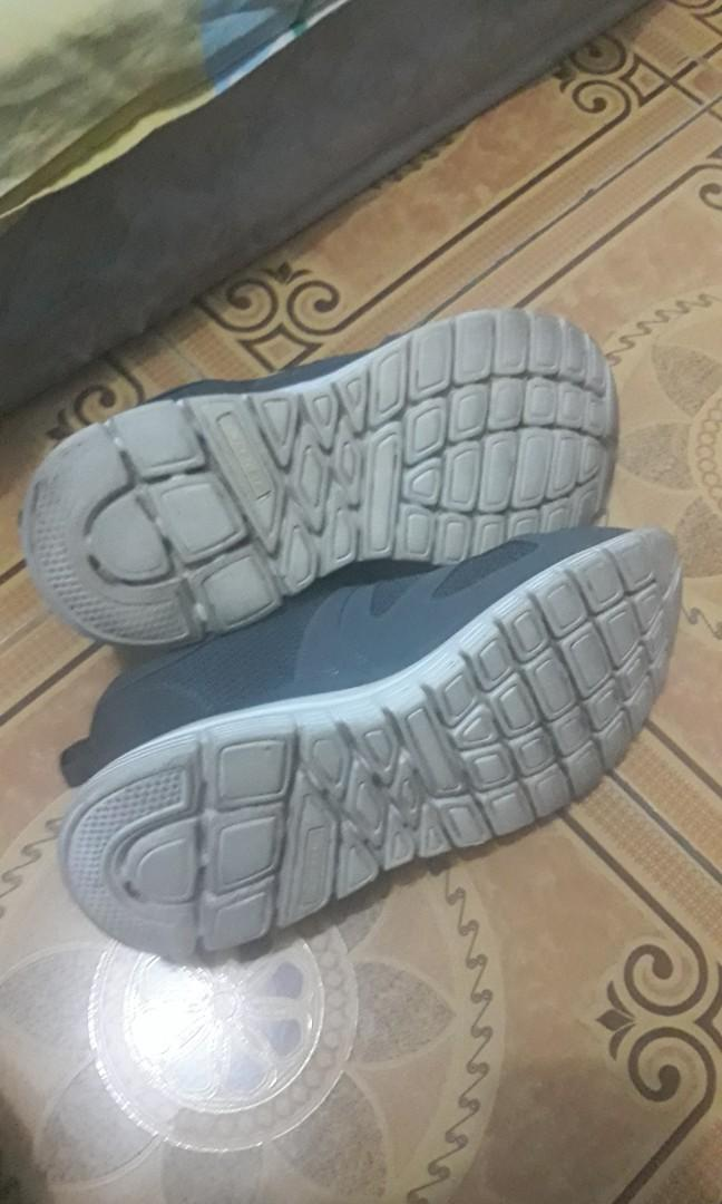 Sneaker Sepatu SKECHERS Burns Agoura training shoes Original size 43