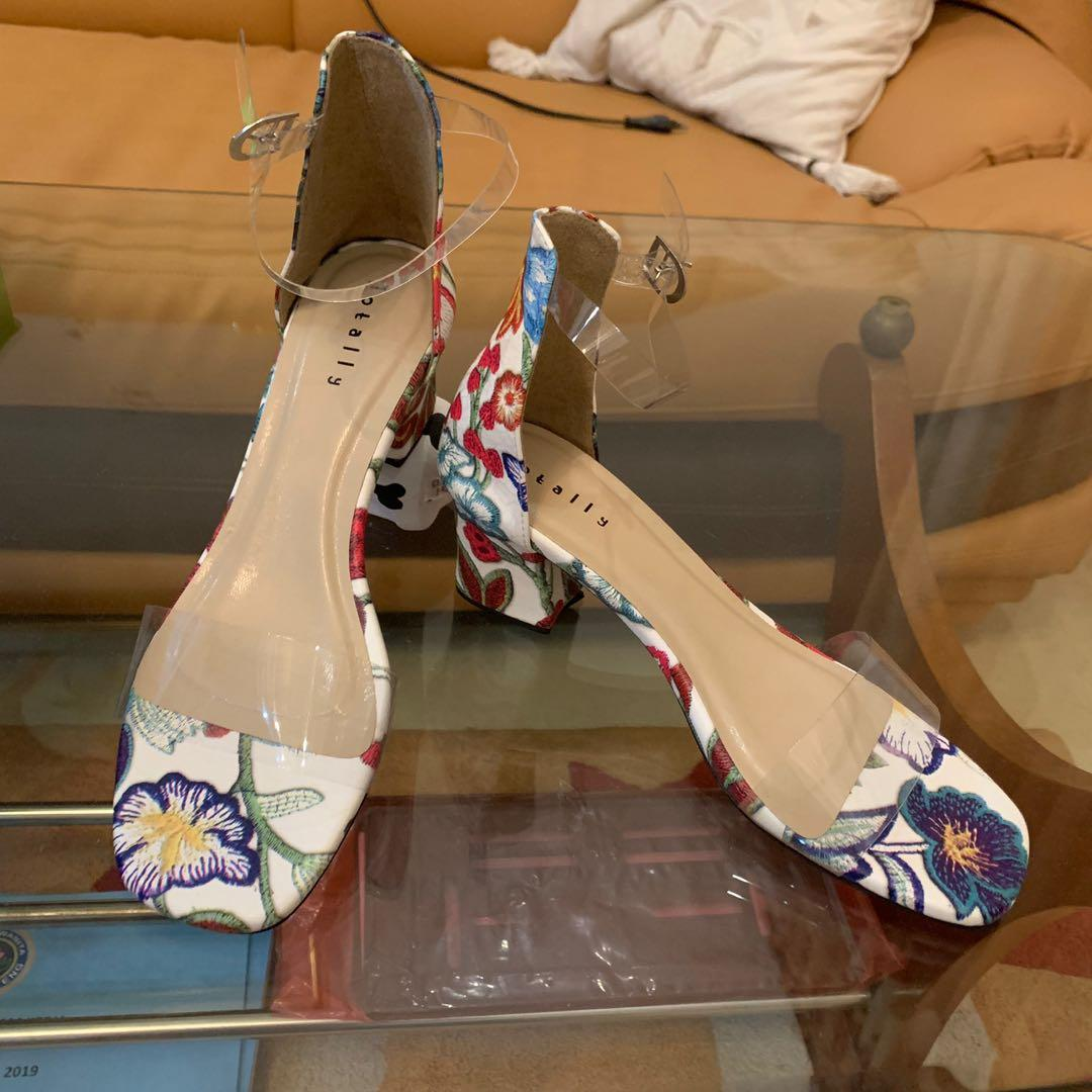 Totally Flower Chunky Strap Shoes