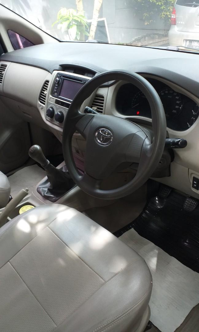 Toyota Innova 2011 akhir
