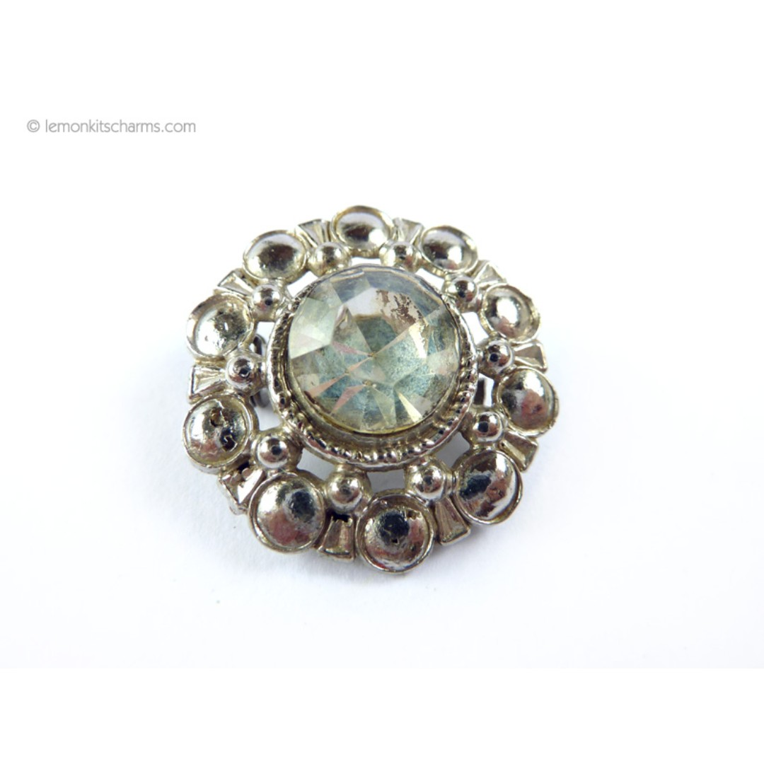 a5a0a63fce0 Vintage 1940s 1950s Clear Rhinestone Brooch, bh677-c, Vintage &  Collectibles, Vintage Watches & Jewelry on Carousell