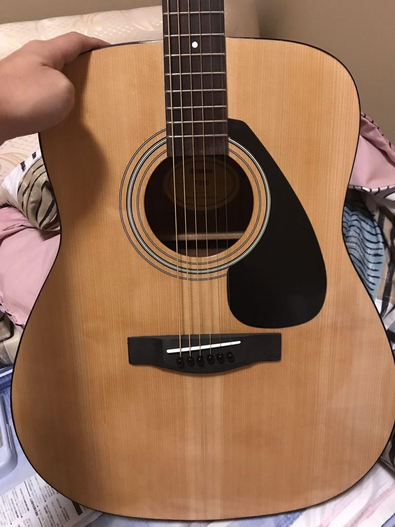 Yamaha F310 Acoustic Guitar (Almost New!!!), Music & Media