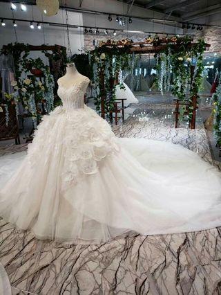 Wedding gowni