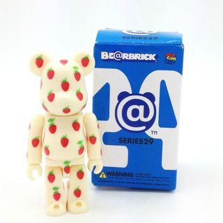 S29 - Pattern Strawberry Basic Bearbrick 100% Collectible Figure Medicom Be@rBrick Brand new and sealed, with card