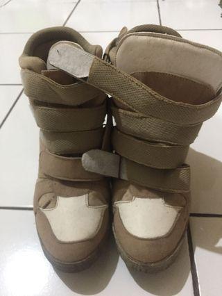 sneakers wedges