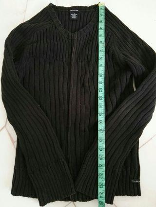 #GayaRaya Calvin Klein Black Knitted Cardigan