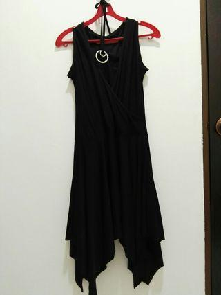 #GayaRaya Stretchable Black Halter Neck Dress