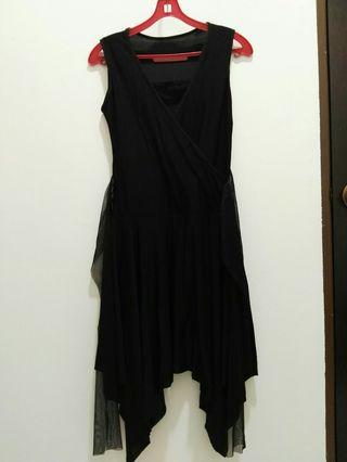#GayaRaya Stretchable Black Sleeveless Dress