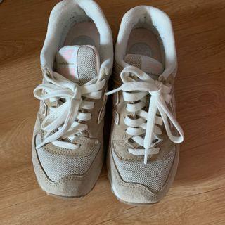 NB 574運動鞋