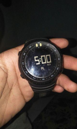 Jam tangan gak ada merek siapa tau ada yang menat