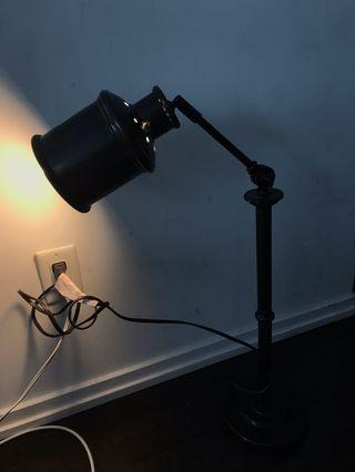 Desk lamp in good condition