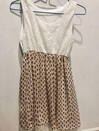 🚚 Floral Dress