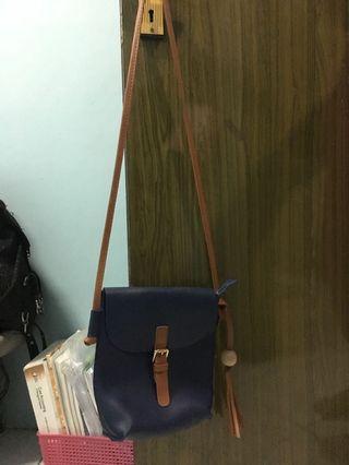 sling bag navy muat banyak👍🏻