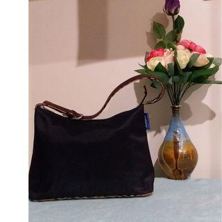 Pre owned authentic Burberrys handbag