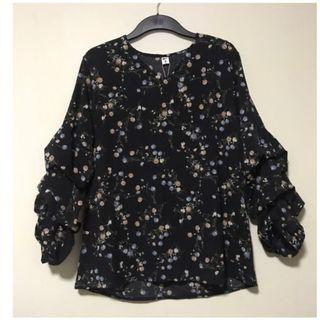 BNWT-Black Floral Layered Sleeves Blouse. Colour: Black . Size M/L.