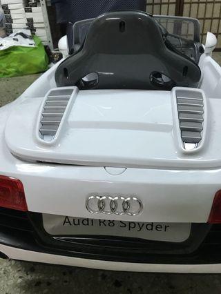 🚚 奧迪 Audi R8 W458QG 兒童電動車 高階版