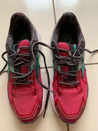 Brooks Running Shoes Wanita Ravenna 7 Size 39