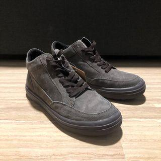 US 8/9 Casual Suede cut shoes