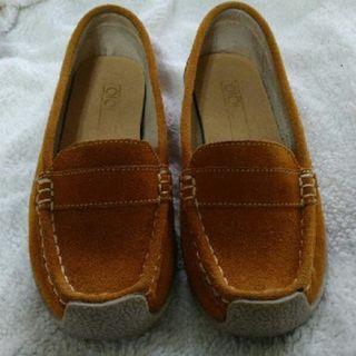 OIOI 女鞋 休閒鞋 平底鞋 尺吋35