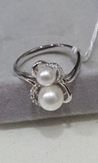 🚚 Sales! Hulu Pearl & Diamond Ring (Authentic)