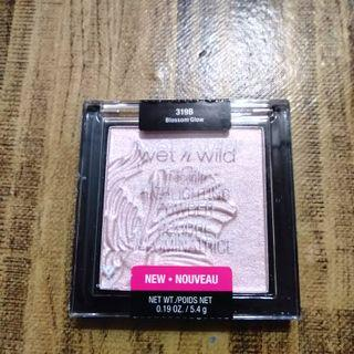 Wet N Wild Authentic Highlighting Powder