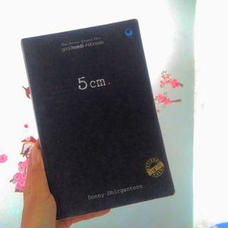 5 cm Donny Dirgantoro