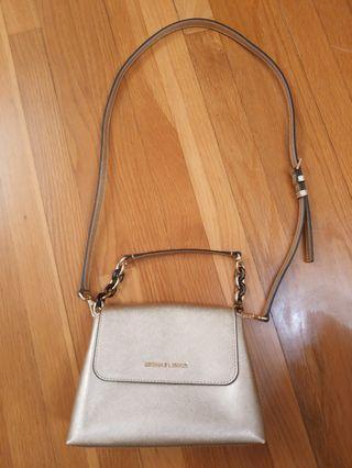 Michael kors handbag 99% new