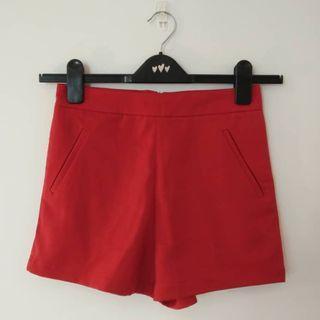 DELIZIA Red Short