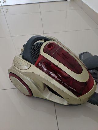 Electrolux Vacuum Cleaner (faulty)
