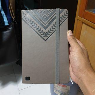 🚚 Leather Notebook