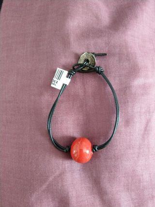 🚚 Murano glass charm bracelet with genuine leather strap