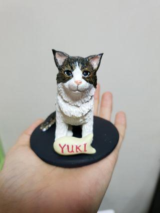 Customise cat figurine made of polymer clay